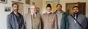 Imam Naseem Bajwa, Imam of the Mosque Baitul Futuh in London, visits PISAI with a delegation of Ahmadi Muslims.